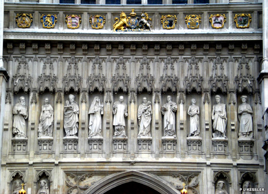 Detailing above the Great West Door.