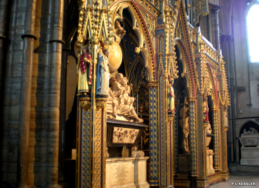 Newton's monument in the nave of Westminster Abbey