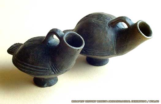 Bird vases of the Urnfield Culture