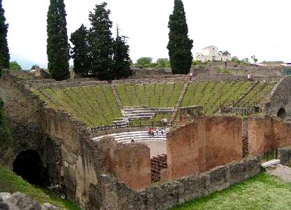 The Large Theatre amphitheatre possessed a good audience capacity