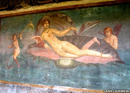 This painting, a mural from Pompeii, is believed to be based on Apelles' Venus Anadyomene