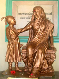Young Shivaji with his mother