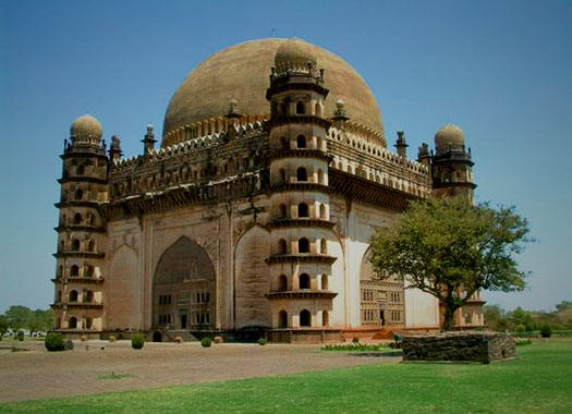 Gol Gumbaz, the tomb of Mohammed Adil Shah