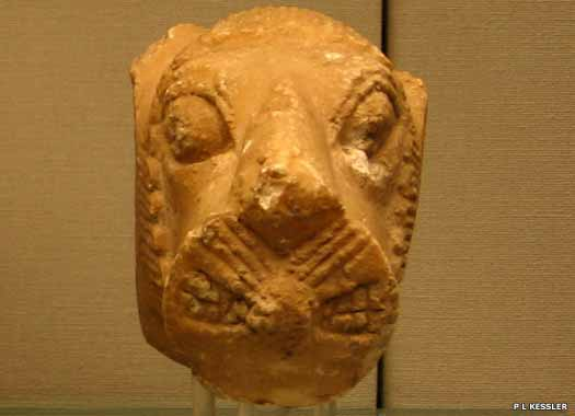 Sumerian lion head finial from Sippar